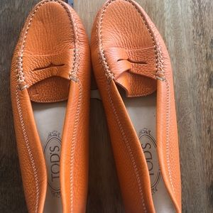 Tods loafers orange